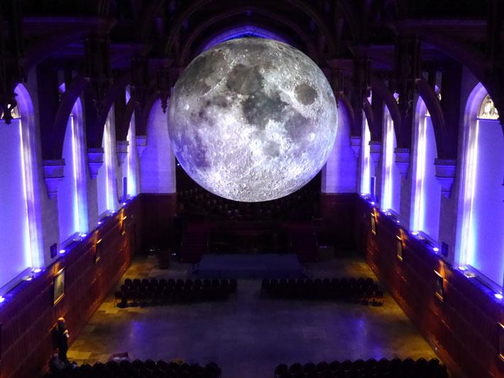 Moon710x532.jpg